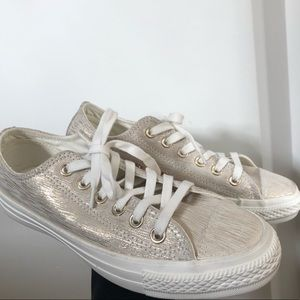 CONVERSE | White and gold converse